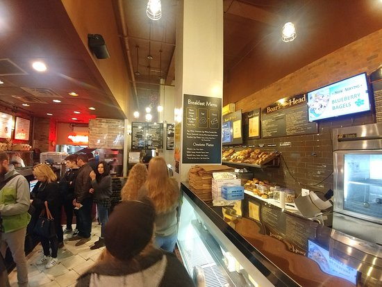 Best Bagel and Coffee: The very popular Best Bagel & Coffee - New York (16/Oct/18).