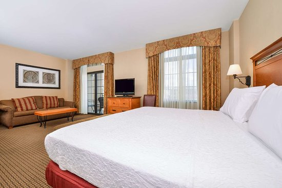 Hampton Inn & Suites Coeur d'Alene: Guest room