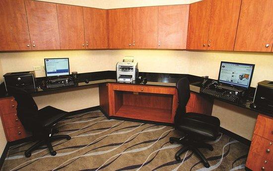 Deer Park, IL: Business Center