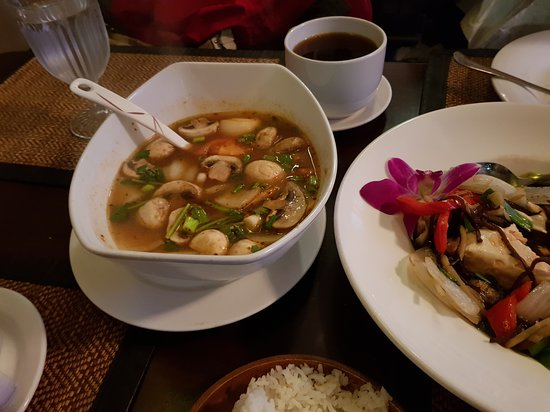 Million Thai Restaurant: Tom Yum Prawns soup