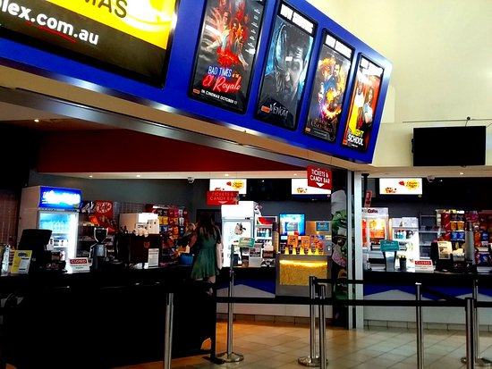 Nerang, Australia: Ticket counter and snack bar