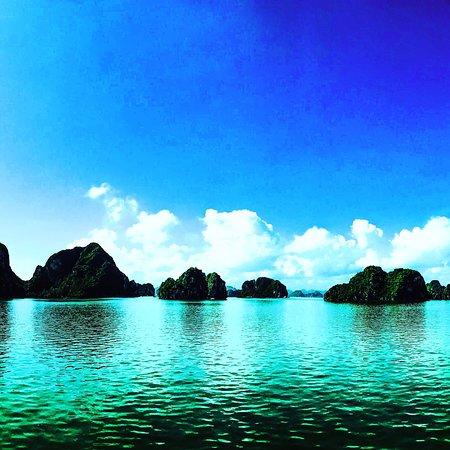 Viagem de um dia à Baía de Halong...