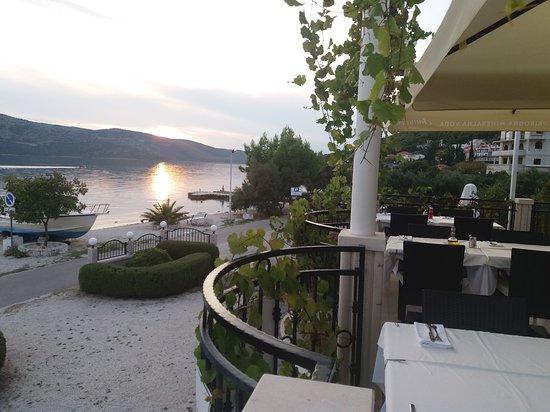 Seget Vranjica, Croacia: Sunset in October