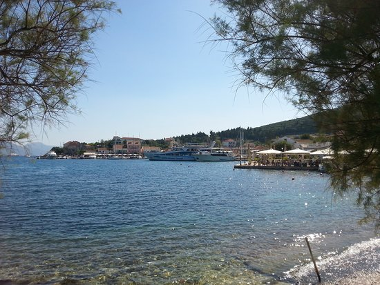 Seven Islands Cruises: Another view of Fiskardo harbour.