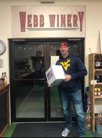 Hermitage, Pensilvania: me excited I purchased 1/2 case of wine
