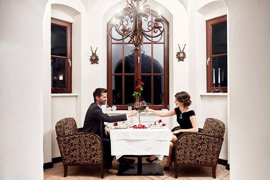 Sankt Gallen, Αυστρία: Romantisches Candle light Dinner im Turmstübchen