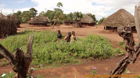 Kitgum, Uganda: surrounding community