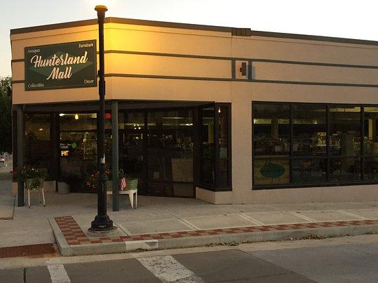 Hunterland Antique Mall: Storefront along Edmond Street.