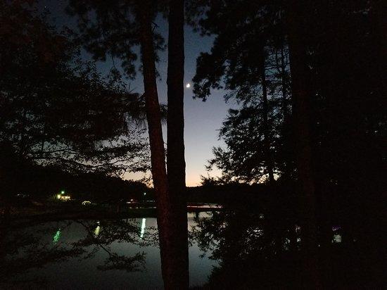 Coker, AL: Sunset on the lake