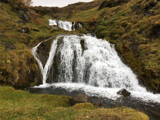 Región Occidental, Islandia: Sheep's Waterfall (Selvallafoss)