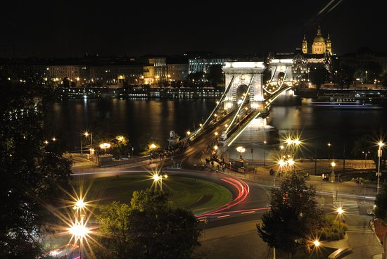 Photo Tours in Hungary by Miklós Mayer: Chain bridge