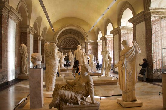 Louvre Museum: Sala dentro del museo