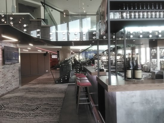 Bar at Novotel Lyon Confluence