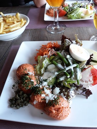 """Dadizele, Belgia: steak américain et ses traditionnelles frites, """"excellent"""""""
