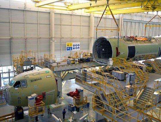 Discoveron Centro de visitantes Airbus San Pablo