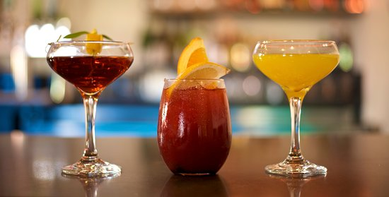 Social Kitchen + Bar: Specialty Drinks - Wild Buffalo, Sangria & Cochiti Afternoon