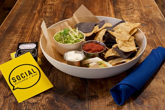 Social Kitchen + Bar: Gotta Have Guac & Salsa