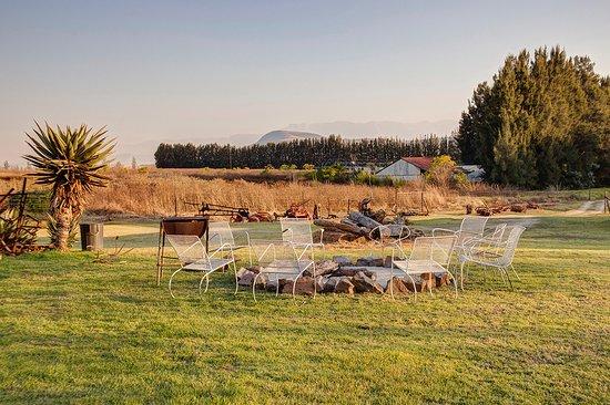 Drakensberg Bush Lodge and Backpackers