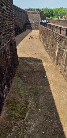 Sinquerim, Indien: Water Cannel