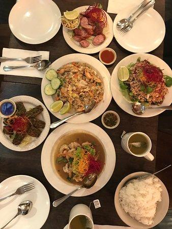 Sunnyside, NY: Family style meal