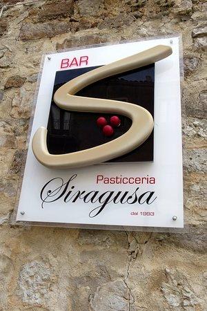 Caltavuturo, Italy: Bar pasticceria Siragusa