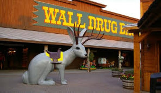 "Уолл, Южная Дакота: the ""jackalope"""