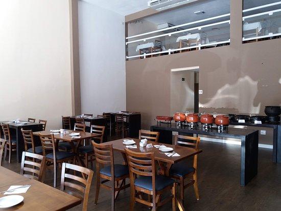 Restaurante Sarava: Um novo espaço bonito e aconchegante.