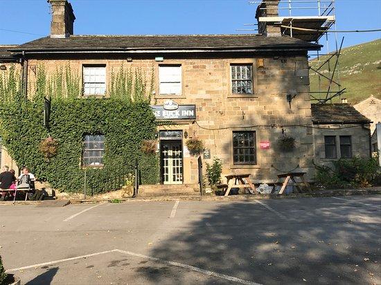 Buckden, UK: Buck Inn exterior