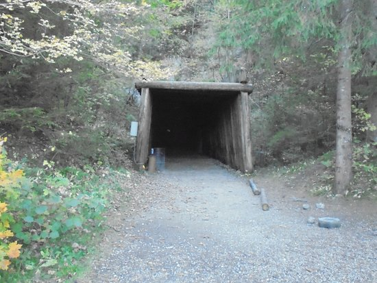 Travers, Switzerland: entrada das minas