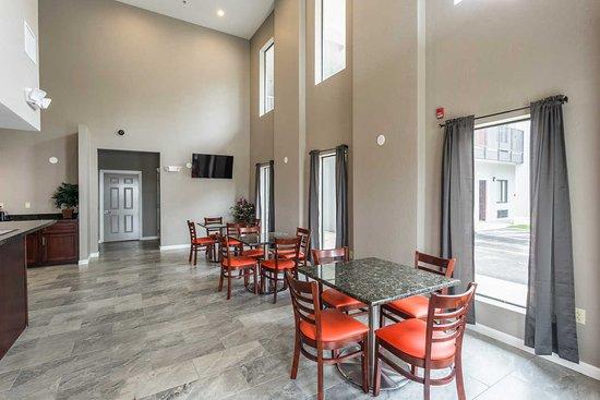 Forrest City, أركنساس: Breakfast Area
