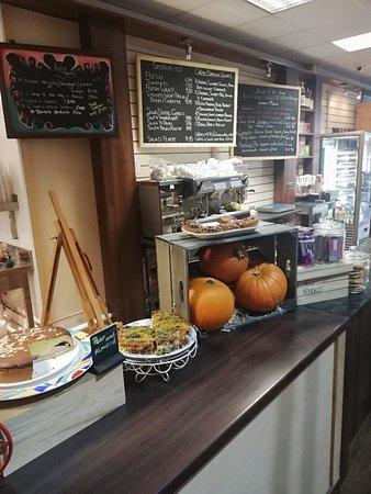 Dunmanway, Ирландия: Plenty of fresh bakery