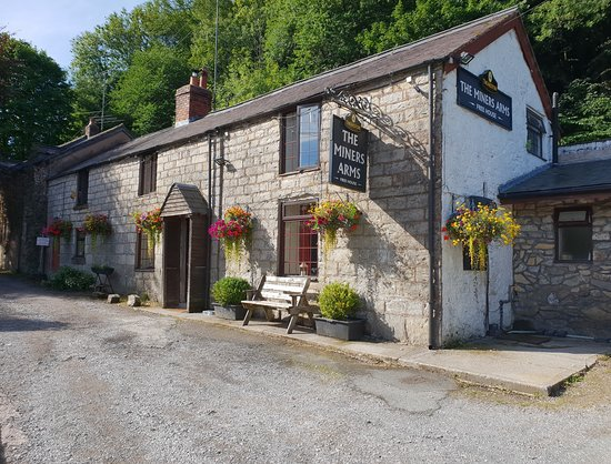 Maeshafn, UK : Exterior of the pub.