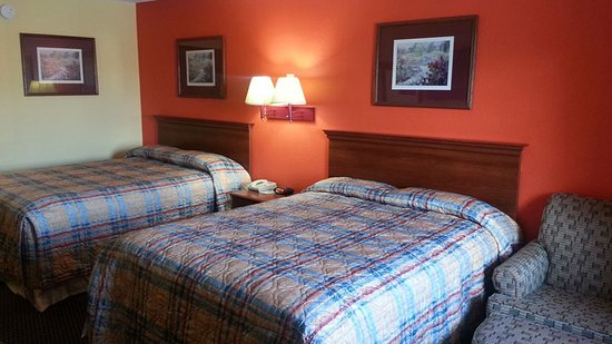 Hawkinsville, Джорджия: Two double beds