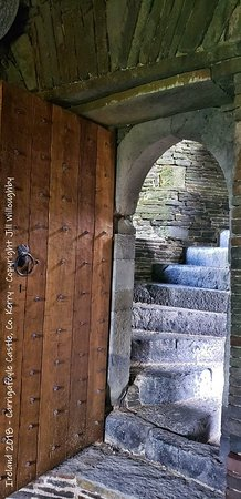 Ballylongford, Irlandia: Well-preserved interiors to roam around in.