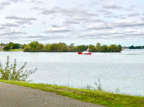 Fort Malden National Historic Site: The fort is right on the river