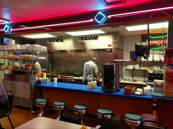 Kingfisher, OK: Inside the Burger Shoppe
