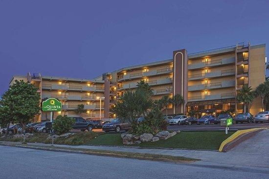 La Quinta Inn & Suites Cocoa Beach Oceanfront Hotel