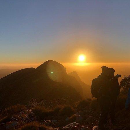 Alphington, ออสเตรเลีย: Sunrise - Mt Sonder -Larapinta Tour