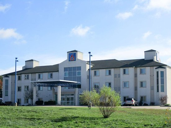 Motel 6 Kingdom City