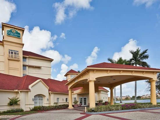 La Quinta Inn & Suites Ft. Lauderdale Airport Hotel