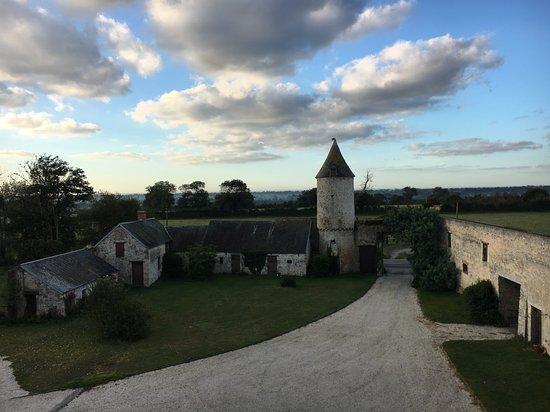 Saint Pierre du Mont, França: Inside the courtyard