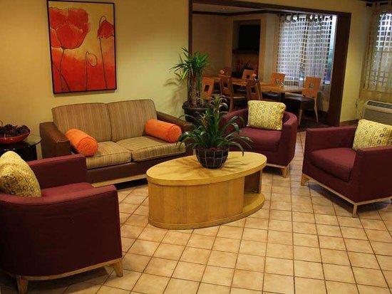 Cutler Ridge, FL: Lobby view