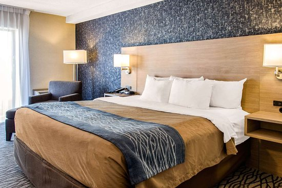 Comfort Inn Aeroport Dorval: Spacious guest room