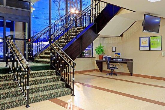 West Long Branch, NJ: Business center