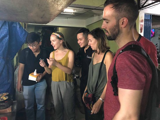 Street Food Tour with Cricket