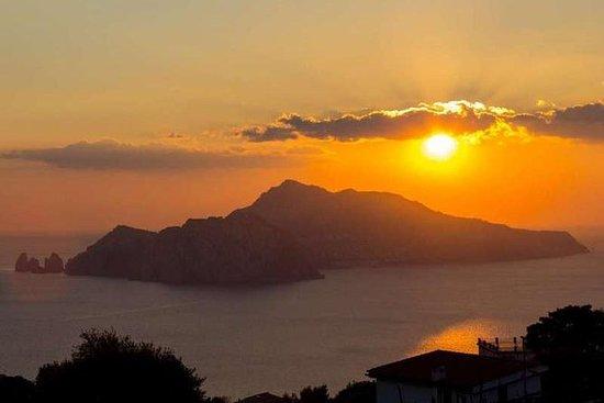 Tour diurno e notturno di Capri da