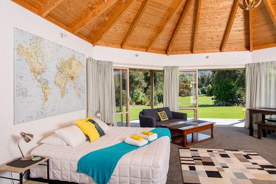 Kowhai Suite - Bedroom (353696156)