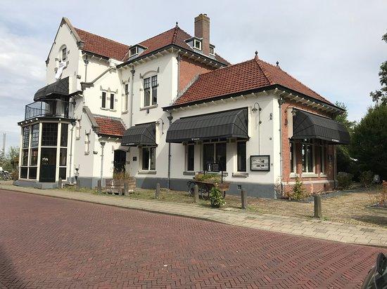 อูดิทอร์น, เนเธอร์แลนด์: Het Spoorhuis Uithoorn from front.
