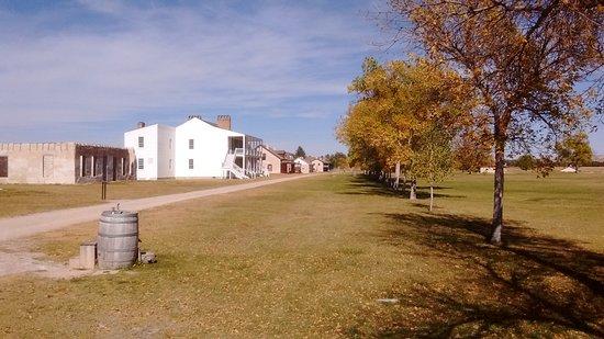 Fort Laramie, WY: Buildings around parade ground