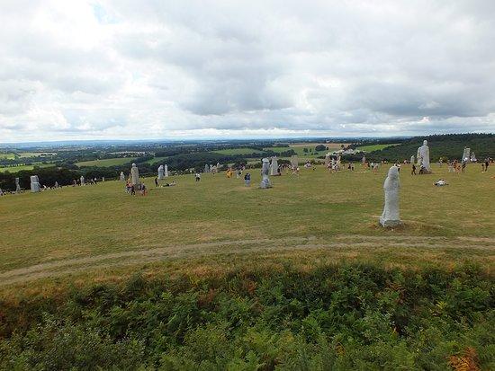 Carnoet, Frankrijk: Vue sur la vallée et les statues